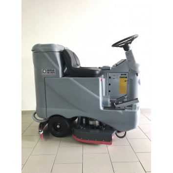 Подопочистващ седлови автомат 81см. / Nilfisk BR 700 S /
